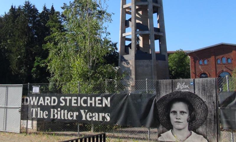 Entrée de l'exposition 'The Bitter Years' à Dudelange.