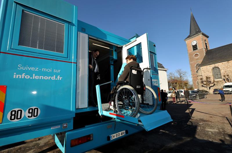 Camion la Maison bleue accès PMR ©P. Houzé - Département du Nord