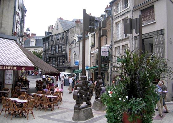 Zone piétonne à Blois.