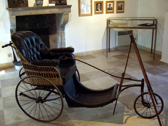 Fauteuil roulant de Renoir dans son atelier d'Essoyes
