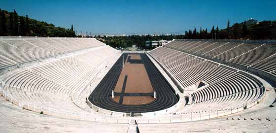 Athènes, stade olympique des Jeux de 1896. © Athènes 2004.